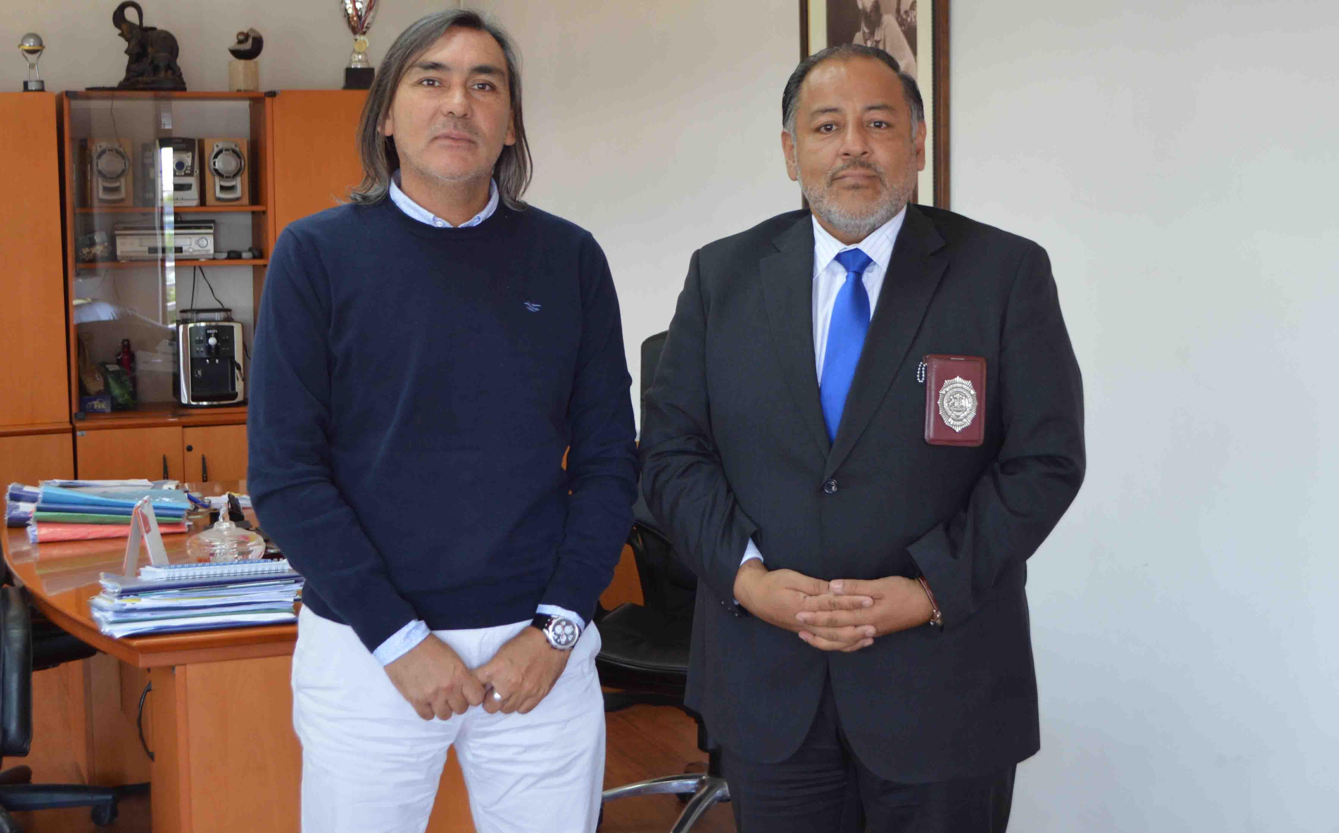 Alcalde Loyola se reúne con Subprefecto PDI para alinear estrategias de seguridad en la comuna