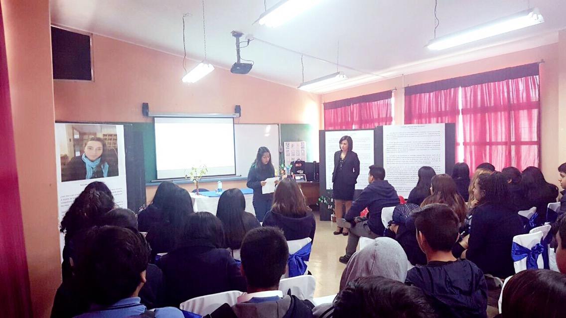 Liceo Japón celebra Día del Libro con exposición sobre la violencia de género