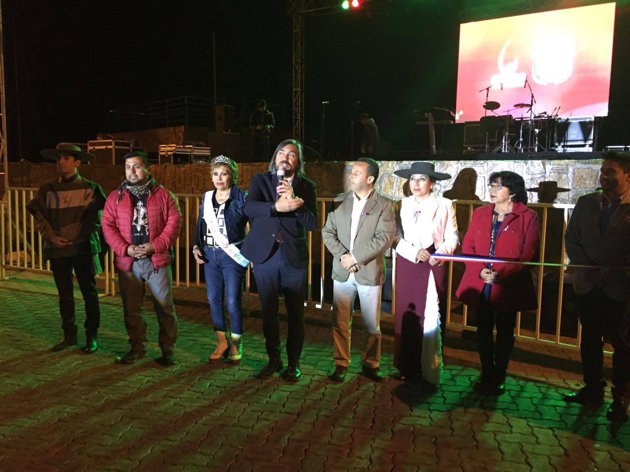"""Exitosas tres noches de Fiesta Costumbrista dieron vida al """"18"""" en Huasco"""